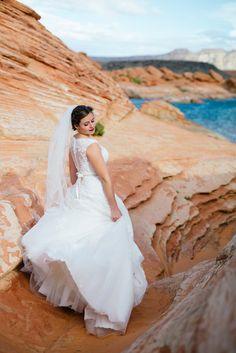 st george // southern utah wedding // bridals // weddings // bride // groom / bride and groom // flowers // blue wedding colors // green wedding shoes // destination wedding photographer // red rock // red rock weddings // beach style weddings // weddings // sugar rush photo + video