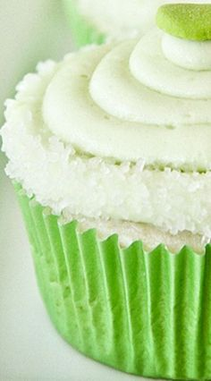 Margarita Cupcakes with Tequila Glaze and Lime Frosting ~ Salty sweet tart and…