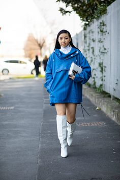 The Best Street Style Looks From Milan Fashion Week Fall 2020 Milan Fashion Week Street Style, Autumn Street Style, Cool Street Fashion, Street Style Looks, Vogue, Style Snaps, New Trends, Retro Fashion, Ideias Fashion