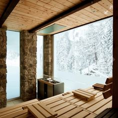 Sauna with a wintery view. Sauna House, Sauna Room, Saunas, Sauna Hammam, Piscina Spa, Building A Sauna, Sauna Design, Outdoor Sauna, Finnish Sauna