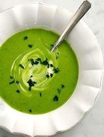Green chikpea, basil & leek soup