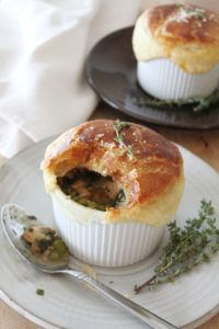 Get this delicious recipe for Turkey, Thyme, & Kale Pot Pie from Chef Ronnie Woo. Fun Easy Recipes, Easy Meals, Good Food, Yummy Food, Private Chef, Turkey Recipes, Kale, Muffin, Pot Pies