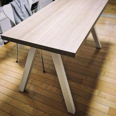 #treeforte #furnituredesign #ordermade #table #whiteoak #whitelegs Outdoor Tables, Outdoor Decor, White Oak, Landscape Design, Furniture Design, Outdoor Furniture, Home Decor, Decoration Home, Room Decor