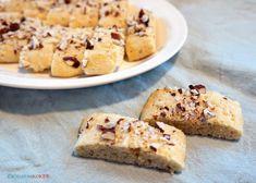 glutenfrie julekaker – Kristin Koker Banana Bread, French Toast, Baking, Breakfast, Desserts, Food, Morning Coffee, Deserts, Bakken