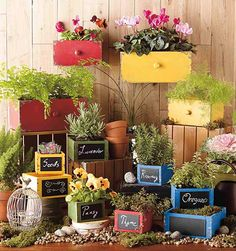 Save up to on Specialty and Department Store Prices on Planters & Pots. Garden Crafts, Garden Projects, Projects To Try, Wood Creations, Landscaping Plants, Outdoor Gardens, Outdoor Planters, Yard Art, Beautiful Gardens