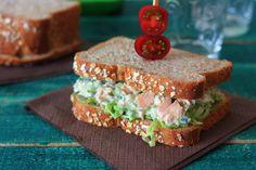 Sándwich de atún y queso azul