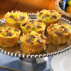 We love how easy it is to make Amazing Muffin Cups. Simple ingredients, simple steps, and a delicious breakfast or brunch for the whole family! Breakfast And Brunch, Breakfast Dishes, Breakfast Recipes, Breakfast Muffins, Egg Muffins, Sausage Breakfast, Breakfast Cupcakes, Health Breakfast, Breakfast Healthy
