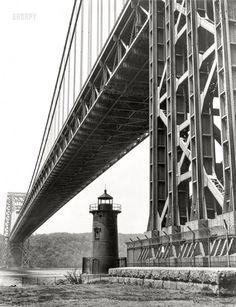 Little Red Lighthouse, Bridge Tattoo, Washington Heights, Photography Sites, Hudson River, George Washington Bridge, High Resolution Photos, Historical Pictures, Home Photo