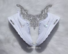Nike Air Max Thea realizados con SWAROVSKI® por CrystallizedKicks