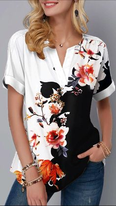 Stylish Tops For Girls, Trendy Tops For Women, Blouses For Women, Color Blocking Outfits, Printed Denim, Printed Shorts, Trendy Fashion, Fashion Outfits, White Women