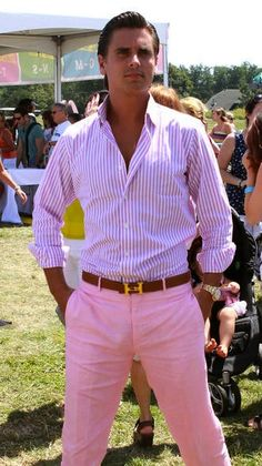looks like great Kentucky Derby style...just needs a linen jacket and a fedora!