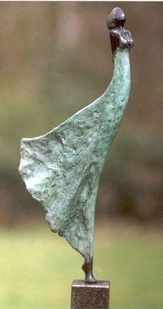 Carve shoulder bone into this design Marian Spekreijse, Wife! on ArtStack Sculptures Céramiques, Art Sculpture, Pottery Sculpture, Abstract Sculpture, Bronze Sculpture, Ceramic Pottery, Ceramic Art, Art Floral Noel, Ceramic Figures
