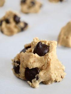 Cookies délices aux pépites de chocolat noir - Recette de cuisine Marmiton : une recette