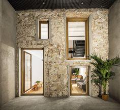 La Diana, Barcelona, Spain / RÄS Studio