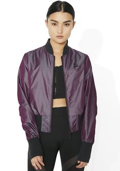 PUMA Iridescent Bomber yew always got a secret weapon ready, babe. Take 'em by surprise in this sikk af bomber jacket that features a slim but comfy fit, zipper front closure, two button side pockets, ruched sleeves, and a dope purple N' green iridescent shift exterior.