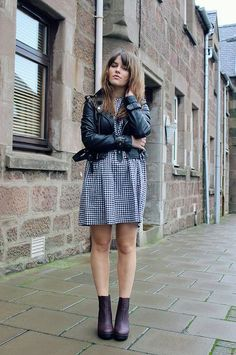 The Little Magpie - Check smock dress (Mod Dolly), Jacket (Oh My Love), Boots (Missguided) Tomboy Fashion, Big Fashion, Grunge Fashion, Fashion Beauty, Autumn Fashion, Fashion Looks, Mod Dress, Weekend Wear, Winter Outfits
