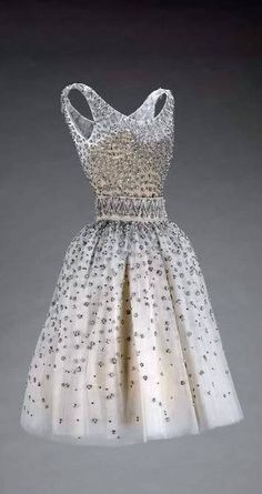 It's a sin to critique Dior but without the embellishment this would be fab for the girls! Dior Dress - SS 1958 - House of Dior (French, founded - Design by Yves Saint Laurent (French, Estilo Fashion, Moda Fashion, 1950s Fashion, Vintage Fashion, Womens Fashion, Victorian Fashion, Fashion Fashion, Fashion Ideas, Moda Vintage