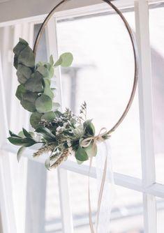 Dried Flower Wreaths, Dried Flowers, Tea Light Snowman, Fleurs Diy, Home Design Diy, Dried Flower Arrangements, Minimalist Christmas, Floral Hoops, Bridal Shower Rustic