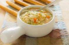 Slow Cooker Cream of Chicken and Rice Soup: Comfort food that's actually good for you. This is so delicious and healthy, what more could I ask for Crock Pot Recipes, Slow Cooker Recipes, Soup Recipes, Chicken Recipes, Cooking Recipes, Healthy Recipes, Recipe Chicken, Recipes Dinner, Cooking Time