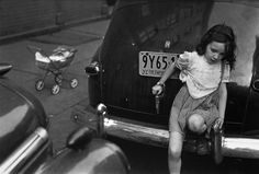 Saul Leiter's Black-and-White World
