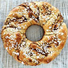 Rosca de Pascuas | Inutilisimas Y Food, Food And Drink, Bagel, Granola, Doughnut, Sweet Recipes, Holi, Easter, Baking