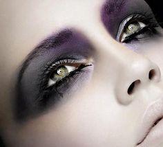 nicolemaesugarcanes:    Makeup looks amazing.