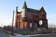 Take a look at the historic streets of Detroit's Brush Park neighborhood and its late victorian mansions, both restored and vacant. Abandoned Detroit, Under Construction, My House, Michigan, The Neighbourhood, Restoration, Photos, Mansions, Park