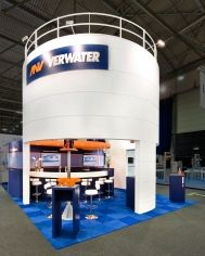 Eldee Expo Designers could be your exhibition contractor. This is the booth for Verwater on the exhibition Stocexpo. A round booth instead of a square design is another design solution