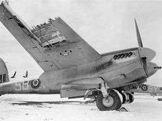 Aircraft Photos, Ww2 Aircraft, Fighter Aircraft, Military Aircraft, Fighter Jets, De Havilland Mosquito, Ww2 Planes, Royal Air Force, Wwii