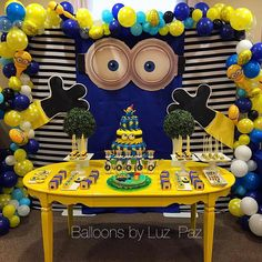 Una fiesta de Minions al estilo de Luz Paz . Celebrando el 1er añito de Jacob.  #designbyluzpaz #balloonsbyluzpaz #luzpazballoonartist Minions Birthday Theme, Minion Theme, Birthday Crafts, Birthday Party Themes, Boy Birthday, Minion Party Decorations, Baby Shower Centerpieces, Childrens Party, Birthday Celebration