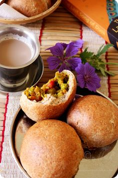 Spicy Stuffed Buns/Khara Buns (Wholemeal buns stuffed with spicy mixed vegetable mash) Make gluten free Indian Snacks, Indian Food Recipes, Vegetarian Recipes, Indian Foods, Vegetarian Dinners, Breakfast Recipes, Snack Recipes, Cooking Recipes, Bread Recipes