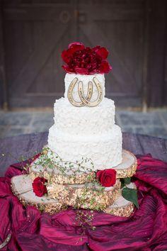 rustic wedding cake with horseshoe details and glitter tree stump / / http://www.deerpearlflowers.com/rustic-farm-wedding-horseshoe-ideas/