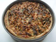 Hartige pompoentaart (ingrediënten: spinazie, bloem, bladerdeeg, knoflook, rode ui, ei (2 st), kookroom, zoete pompoen, geitenkaas en pijnboompitten) (@ Veni,Vidi,Fashion.)