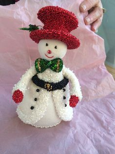 Hand made for me Holiday Crafts, Holiday Decor, Margarita, Snowman, Christmas Ornaments, Handmade, Diy, Diy Christmas Decorations, Christmas Decor