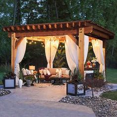 The pergola kits are the easiest and quickest way to build a garden pergola. There are lots of do it yourself pergola kits available to you so that anyone could easily put them together to construct a new structure at their backyard. Diy Pergola, Building A Pergola, Outdoor Pergola, Wooden Pergola, Pergola Kits, Pergola Lighting, Gazebo Ideas, Pergola With Curtains, Diy Patio