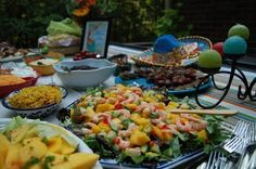 Beautiful tablescape and food platter for a Mexican party or Cinco de Mayo . . .
