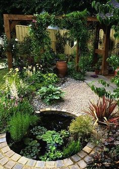 Great front yard landscaping ideas can transform your home's curb appeal. Your front yard design can greatly impact the way your home looks from the outside. Ponds Backyard, Backyard Landscaping, Landscaping Ideas, Backyard Ideas, Garden Ideas, Pond Ideas, Landscaping Software, Koi Ponds, Oasis Backyard