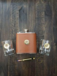 bullet flask, flask set, flask gift set, flask gift, shotgun shell shot glasses, Barware, Barware gifts, flask, bullet gifts, bullet gifts for men, bullet gift ideas