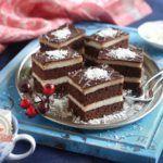 Kókuszos grízes szelet Vanilla Cake, Tiramisu, Pie, Ethnic Recipes, Food, Schnapps, Pies, Food Food, Bakken
