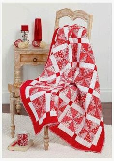 = free pattern = Red and White Christmas Quilt at Spotlight (Australia).  Featured at Quilt Inspiration