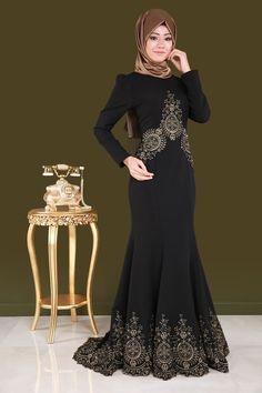 Modest Fashion Hijab, Abaya Fashion, Muslim Fashion, Fashion Dresses, Hijab Evening Dress, Black Evening Dresses, Hijab Dress, Estilo Abaya, Abaya Style