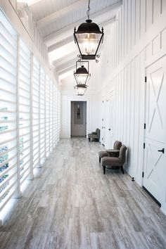 Farmhouse Inn is a Product Launch Venue in Forestville, California, United States. See photos and contact Farmhouse Inn for a tour. Farmhouse Inn, Modern Farmhouse, Farmhouse Style, Vintage Farmhouse, Cottage Style, Farmhouse Architecture, Interior Decorating, Interior Design, Breezeway