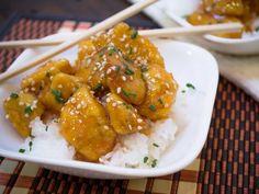 Receta de Pollo con Salsa Agridulce | Si eres fan de la comida china este crujiente pollo agridulce te encantará. Y la mejor parte es que se hace con catsup y demás ingredientes que encuentras en casa.