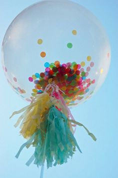 Clear balloons with confetti are magical! #stylishkidsparties