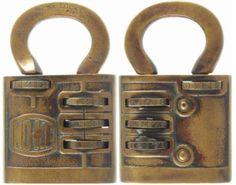 very old combination padlock Antique Door Knockers, Vintage Door Knobs, Knobs And Knockers, Vintage Keys, Under Lock And Key, Key Lock, Disney Collectibles, Antique Shelves, Unique Key