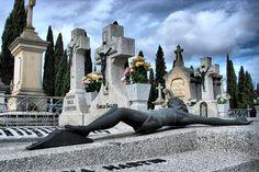Acusan a mujer en España de matar a su bebé en un cementerio | nayaritenlinea.mx