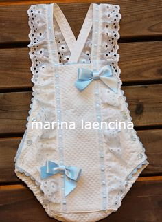 Spanish Baby Clothes, Baby Doll Clothes, Crochet Baby Clothes, Girls Skirt Patterns, Doll Dress Patterns, One Piece Swimsuit Trendy, Baby Embroidery, Baby Baptism, Baby Costumes