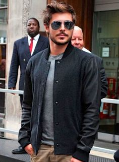 Zac Efron is my new crush lol love his facial hair! So grown up n sexy!