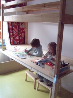 idea for the desk under bunk bed