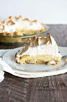 A Classic Banana Cream Pie Recipe that my grandma used to make! via Dine & Dish